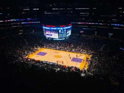 Staples Center, sección: 333, fila: 10, asiento: 13