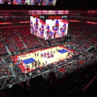 Little Caesars Arena, sección: 229, fila: 8, asiento: 22