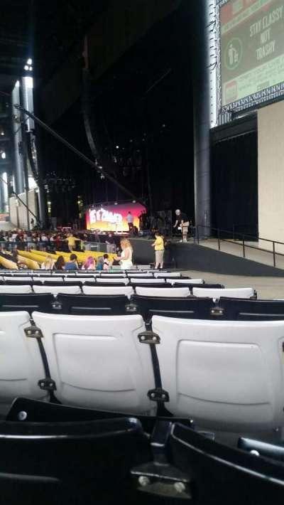 Hollywood Casino Amphitheatre (Tinley Park), sección: 101, fila: W, asiento: 3