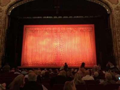 Cadillac Palace Theater, sección: Orchestra C, fila: N, asiento: 111