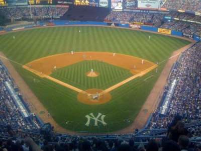 old Yankee Stadium, sección: UPPER DECK BEHIND HOME PLATE