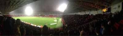 Keepmoat Stadium, sección: North East, fila: T, asiento: 1056