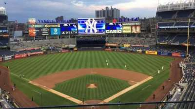 Yankee Stadium, sección: 320B, fila: 2, asiento: 9