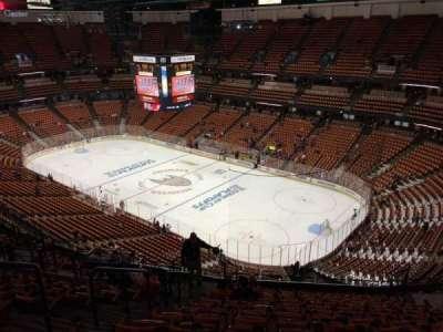 Honda Center, sección: 428, fila: Q, asiento: 11