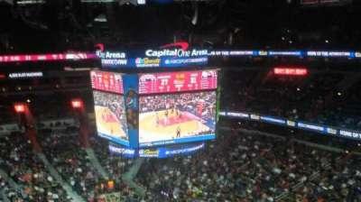 Capital One Arena, sección: 406, fila: F, asiento: 8