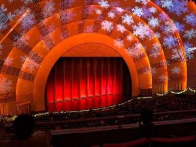 Radio City Music Hall, sección: 2nd Mezzanine 6, fila: C, asiento: 614