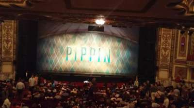 Cadillac Palace Theater, sección: Dress Circle - Center, fila: A, asiento: 215