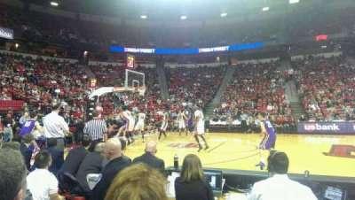 Thomas & Mack Center, sección: 118, fila: B, asiento: 2