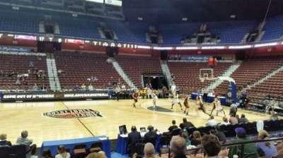 Mohegan Sun Arena, sección: 25, fila: I, asiento: 5