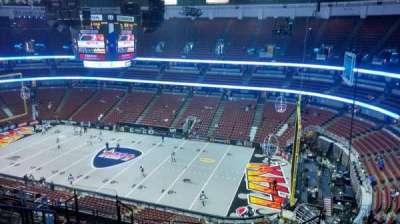 Honda Center, sección: 430, fila: M, asiento: 8