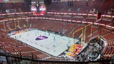 Honda Center, sección: 428, fila: M, asiento: 8