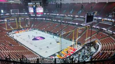 Honda Center, sección: 427, fila: M, asiento: 8