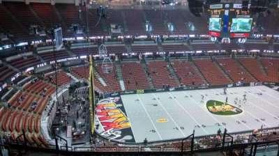 Honda Center, sección: 416, fila: M, asiento: 8
