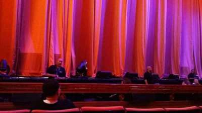 Radio City Music Hall, sección: Orchestra 5, fila: DD, asiento: 513