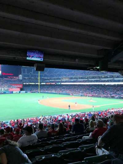 Angel Stadium, sección: T208, fila: K, asiento: 1