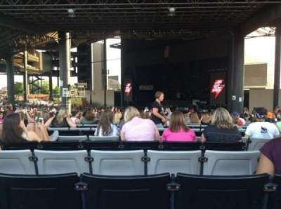 Hollywood Casino Amphitheatre (Tinley Park), sección: 203, fila: LLL, asiento: 18