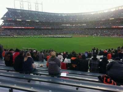 AT&T Park, sección: 142, fila: 18, asiento: 9