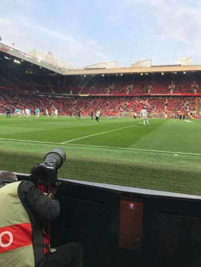 Old Trafford, sección: W105, fila: AA, asiento: 74