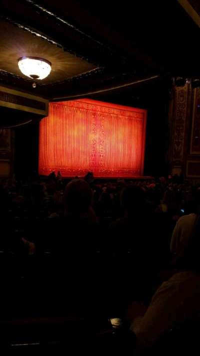 Cadillac Palace Theater, sección: Orch-L, fila: W, asiento: 31