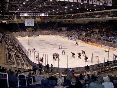 Ricoh Coliseum, sección: 106, fila: P, asiento: 6