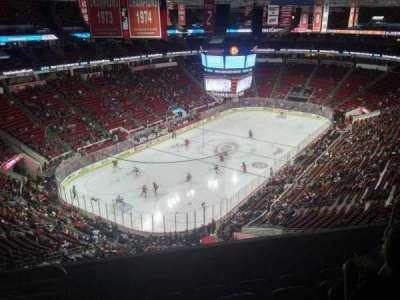 PNC Arena, sección: 330, fila: F, asiento: 9