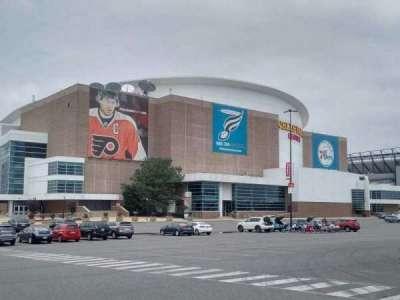 Wells Fargo Center, sección: exterior