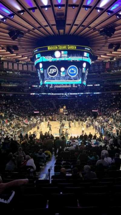 Madison Square Garden, sección: 102, fila: 13, asiento: 13