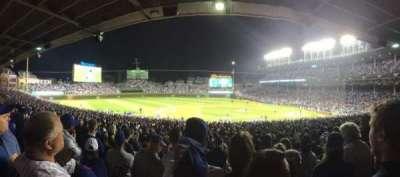 Wrigley Field, sección: 213, fila: 8, asiento: 7