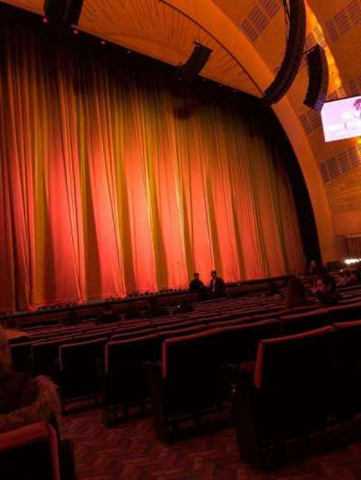 Radio City Music Hall, sección: Orchestra 6, fila: OO, asiento: 601