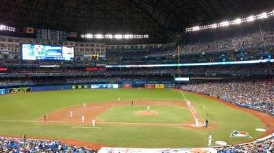 Rogers Centre, sección: 227L, fila: 3, asiento: 106