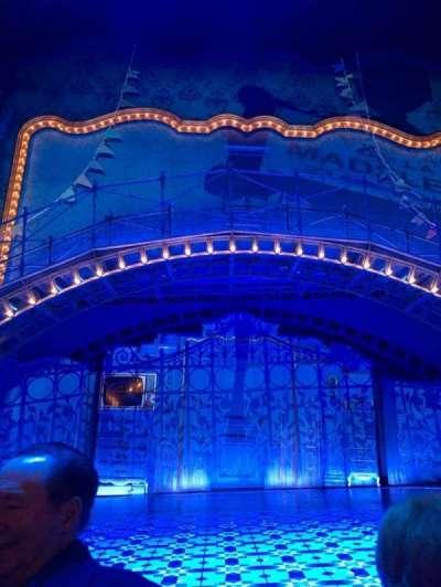 Walter Kerr Theatre, sección: Orch Center, fila: 1, asiento: 106