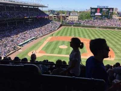 Wrigley Field, sección: 528, fila: 1, asiento: 101