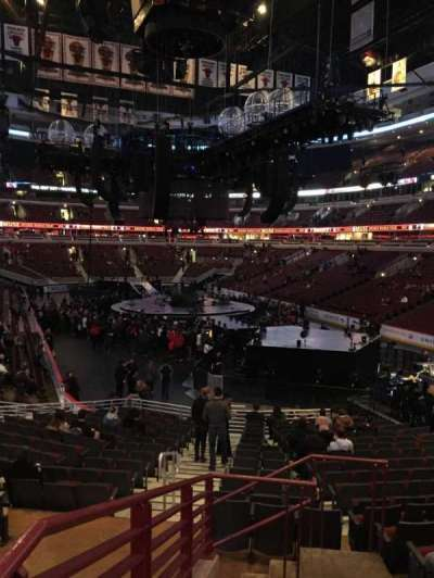 United Center, sección: 107, fila: 19, asiento: 24