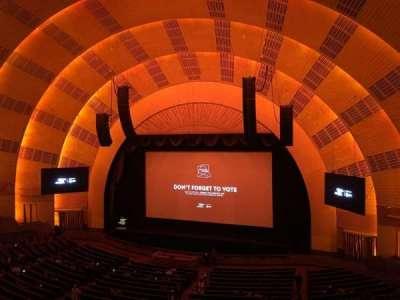 Radio City Music Hall, sección: 2nd Mezzanine 2, fila: A, asiento: 211