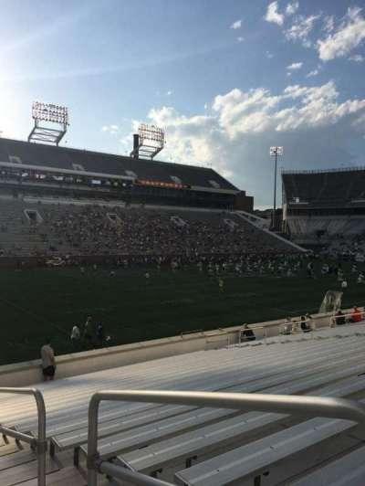 Bobby Dodd Stadium, sección: 130, fila: 22, asiento: 23