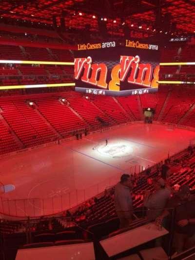 Little Caesars Arena, sección: M33, fila: 2, asiento: 9