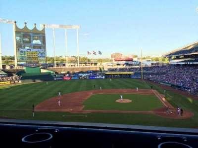 Kauffman Stadium, sección: 309, fila: A, asiento: 5