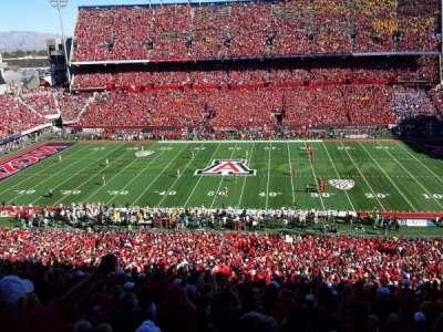 Arizona Stadium, sección: 20, fila: 74, asiento: 22