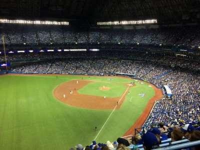 Rogers Centre, sección: 537L, fila: 13, asiento: 111