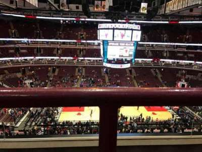 United Center, sección: 318, fila: 3, asiento: 12