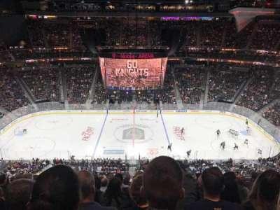 T-Mobile Arena, sección: 205, fila: M, asiento: 10