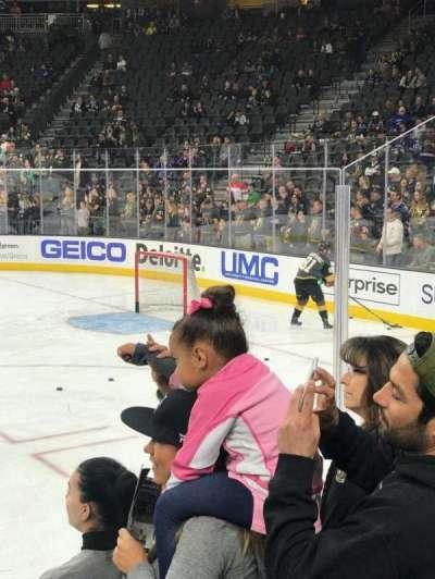 T-Mobile Arena, sección: 17, fila: DD, asiento: 6
