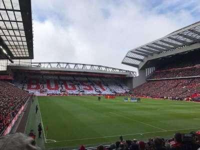 Anfield, sección: 127, fila: 16, asiento: 182