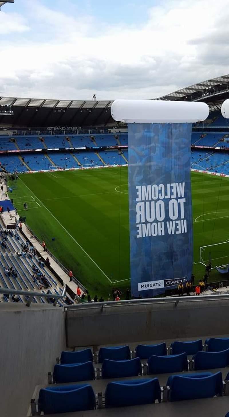 Etihad Stadium Manchester Sección 318 Fila F Asiento