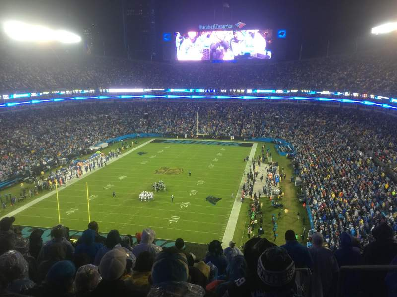 Bank of America Stadium, sección: 553, fila: 12, asiento: 2
