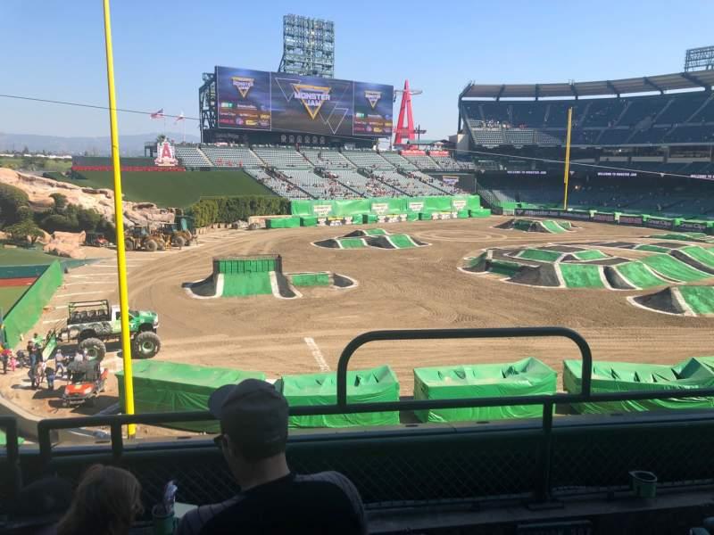 Vistas desde el asiento para Angel Stadium Sección C306 Fila C Asiento 16