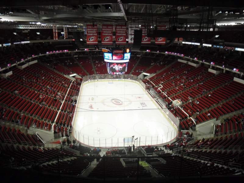 PNC Arena, sección: 316, fila: J, asiento: 1