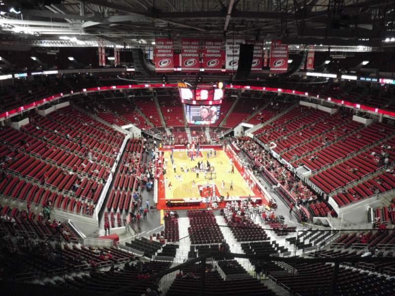 PNC Arena, sección: 315, fila: E, asiento: 4