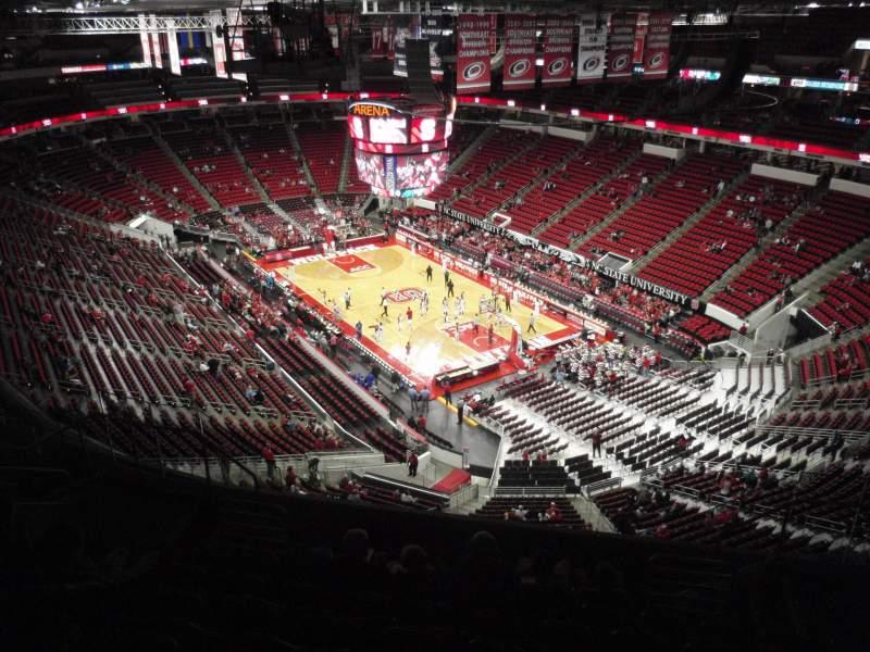 PNC Arena, sección: 318, fila: J, asiento: 6