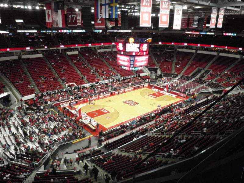 PNC Arena, sección: 328, fila: C, asiento: 3